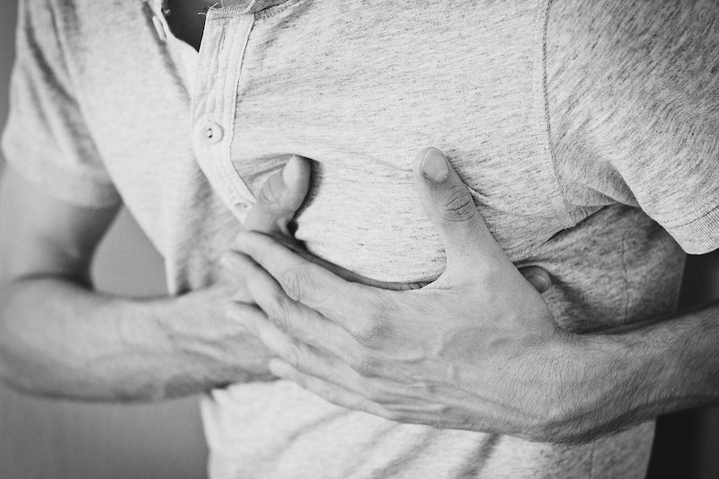 Acting quickly after heart attack symptoms start can be a life saver